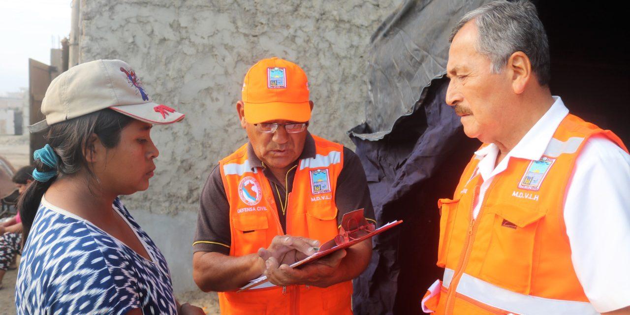 Entregan ayuda a familia afectada por oleajes en La Bocana